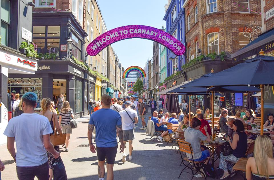 A view of a busy Carnaby Street in Central London as the heatwave continues in England. (Photo by Vuk Valcic / SOPA Images/Sipa USA)