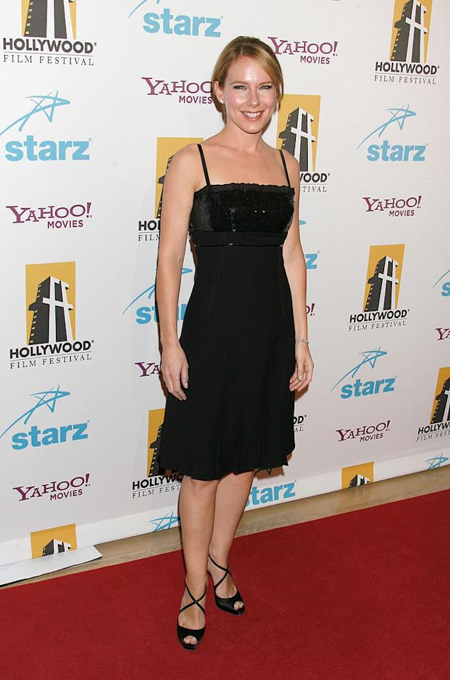 "<a href=""http://movies.yahoo.com/movie/contributor/1800024239"">Amy Ryan</a> at the Hollywood Film Festival's Hollywood Awards in Beverly Hills - 10/22/2007"
