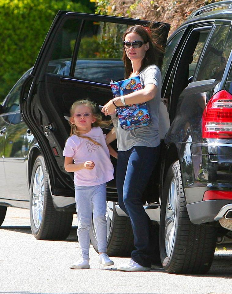 """She may have looked casual, but Jennifer Garner went the star-studded route on Mother's Day, attending a party with her daughters, Violet and Seraphina, at fellow celeb Tobey Maguire's house in L.A. <a href=""""http://www.infdaily.com"""" target=""""new"""">INFDaily.com</a> - May 8, 2011"""