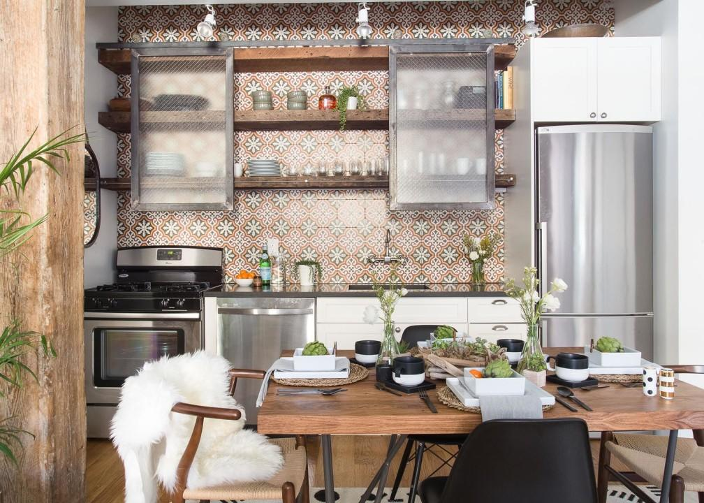 The great part about the whole rustic country look is that it's cozy and homey  but the downside is if you go overboard, it can look more like a farmhouse than a modern home. To make the rustic look more contemporary and sophisticated, try these home-styling and shopping ideas.