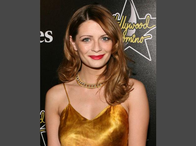 <b>Celebrity confidence trick 2:</b> Mischa Barton blanks out negativity Mischa Barton believes that confidence isn't just about how you look; it's about how you carry yourself and how you treat others. Whilst she has battled with body-confidence issues in the past, Mischa now believes that it's human nature to be critical of ourselves, and that it's better to embrace what you have than sit around worrying about what you don't have - we think she's hit the nail on the head. Whilst we spend our time admiring others' confidence, we fill our minds with negative thoughts about ourselves and this does nothing for our own confidence. Blank out any negativity and fill your mind with positive thoughts about yourself. If this technique is good enough for Mischa, it's good enough for us!