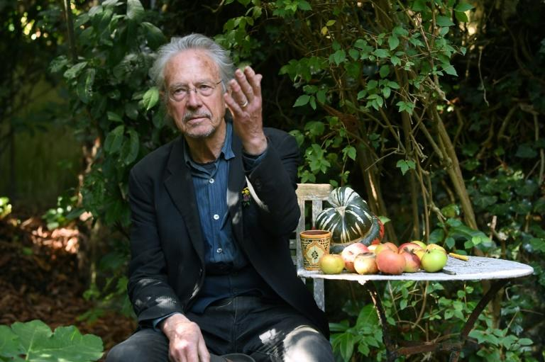Nobel literature prize winner Peter Handke responded angrily to journalists asking about his support for the Serbs