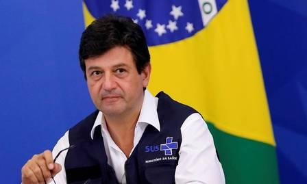 x87777270_Brazils-Minister-of-Health-Luiz-Henrique-Mandetta-attends-a-news-conference-amid-the-c.jpg.pagespeed.ic.Vct9C8eFJo.jpg