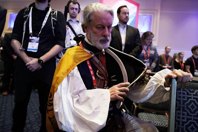 <p>William Temple of Brunswick, Georgia, dresses as 1st and 6th Governor of Virginia Patrick Henry, participates in an opening prayer during CPAC 2018, Feb. 22, 2018 in National Harbor, Md. (Photo: Alex Wong/Getty Images) </p>