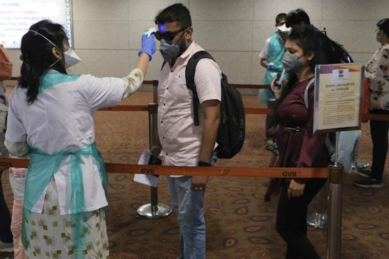 Worst Hit by Coronavirus, Ops at Mumbai Airport May not Begin Soon as Uddhav Seeks More Time