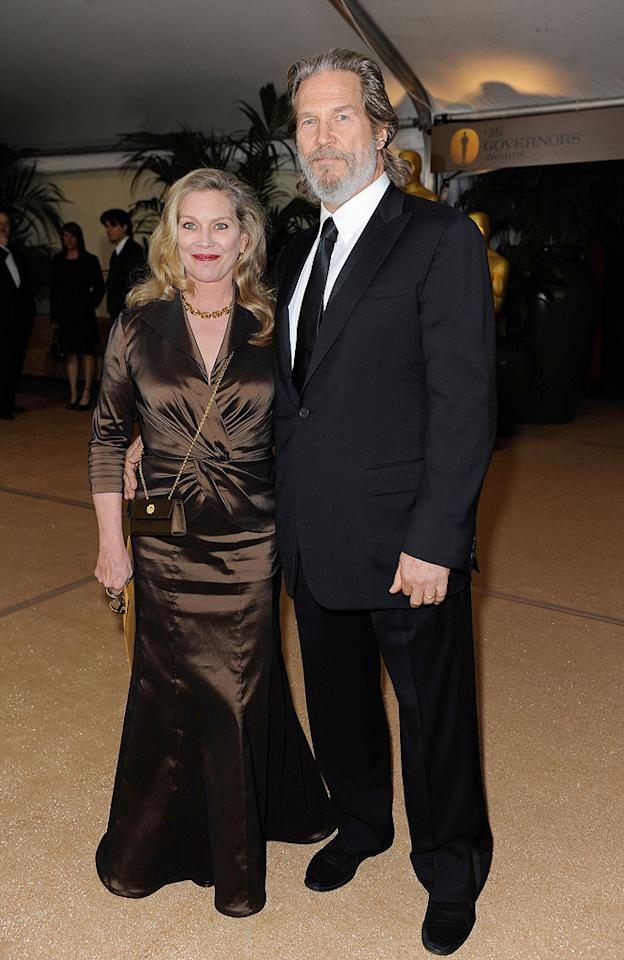 """<a href=""""http://movies.yahoo.com/movie/contributor/1800011634"""">Jeff Bridges</a> and wife at the Academy of Motion Picture Arts and Sciences' Inaugural Governors Awards - 11/14/2009"""