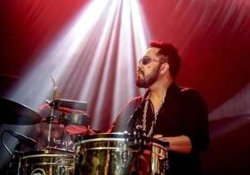 Shame on you traitor: Mika Singh gets slammed for performing in Karachi
