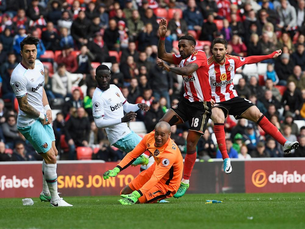 Borini strikes a late equaliser for Sunderland: Getty