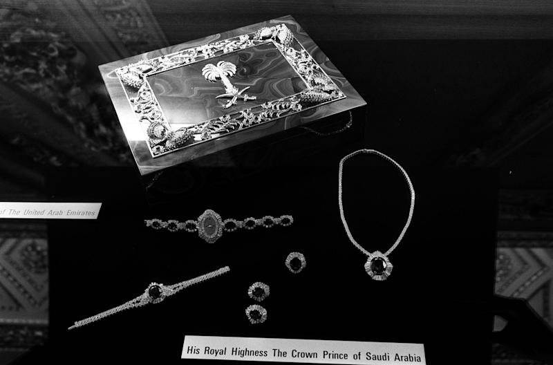 <strong>The jewellery given by the Crown Prince of Saudi Arabia as a wedding gift to the Prince and Princess of Wales</strong> (PA/PA Archive/PA Images)