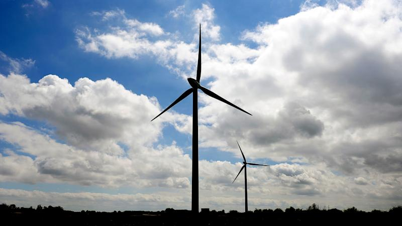Scottish Power pushes green power as 317,000 customers leave supplier