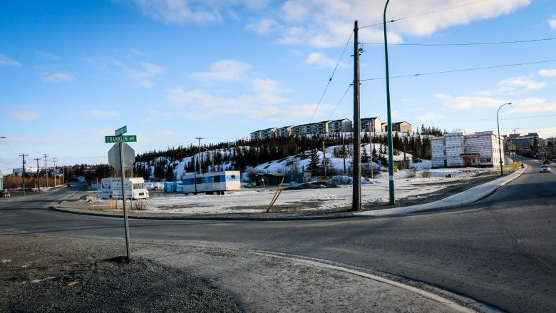 Old Town paving project may need to wait for washroom decision, say Yellowknife councillors
