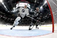 Taylor Hall (L) of the New Jersey Devils and Jeff Carter of the Los Angeles Kings compete during the 2017 Honda NHL All-Star Tournament Final between the Pacific Division All-Stars and the Metropolitan Division All-Stars, on January 29 (AFP Photo/BRUCE BENNETT)