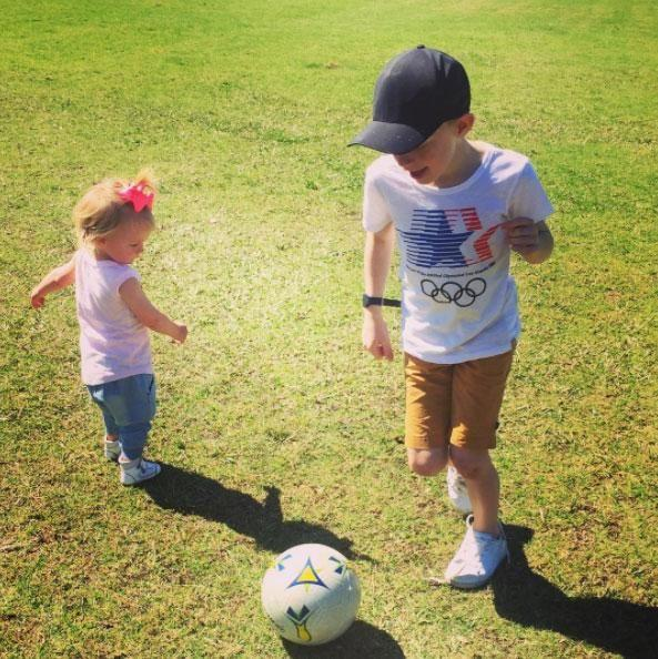 Ollie and Evie playing together. Source: Instagram