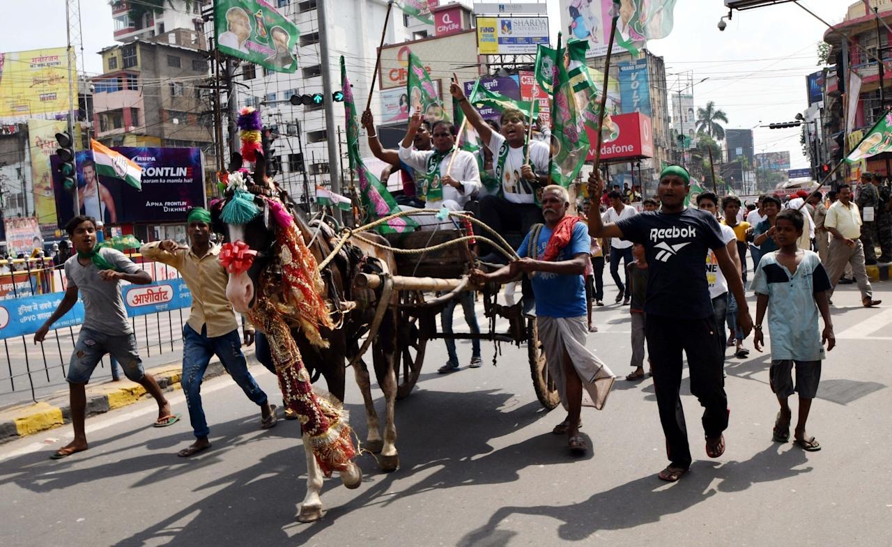 <p>RJD workers stage a demonstration during a nationwide shutdown protest – 'Bharat Bandh' called by opposition parties led by Congress against rising fuel prices, in Patna on Sept 10, 2018. (Photo: IANS) </p>