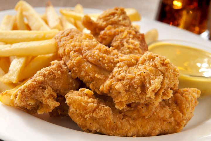 Authorities warn people to not eat chicken tenders spilled on roadside