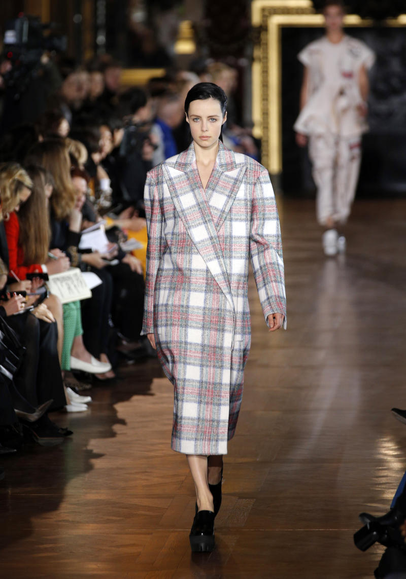 Stella McCartney restyles pinstripes; Paul is late