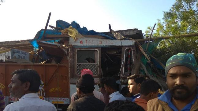 The private bus was on its way from Mandla to Jabalpur when the accident happened. The injured were rushed to Jabalpur Medical College.