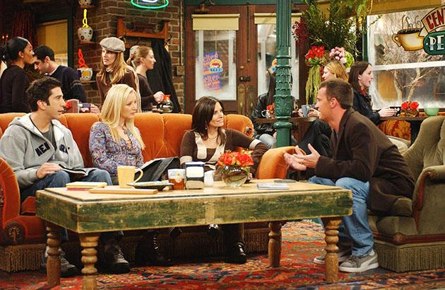 FRIENDS, David Schwimmer, Lids Kudrow, Courteney Cox Arquette, Matthew Perry, 'The One With The Mugging' (Season 9, epis. #915, aired 02/13/03).