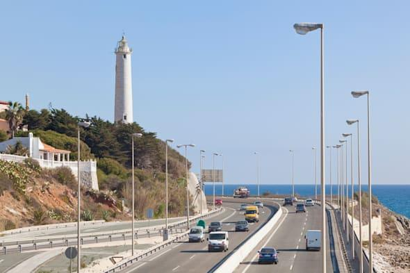 british tourists warned of highway robbers in spain