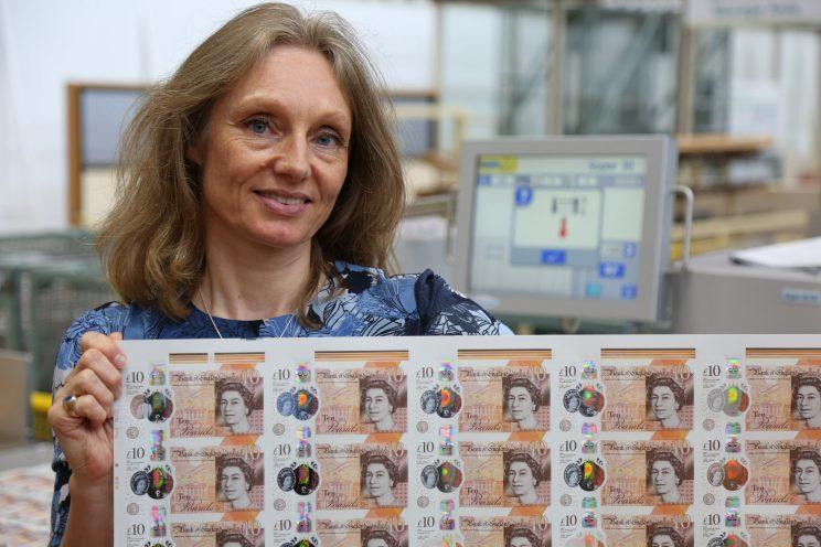 Victoria Cleland, chief cashier at the Bank of England, with the new £10 note (BoE)