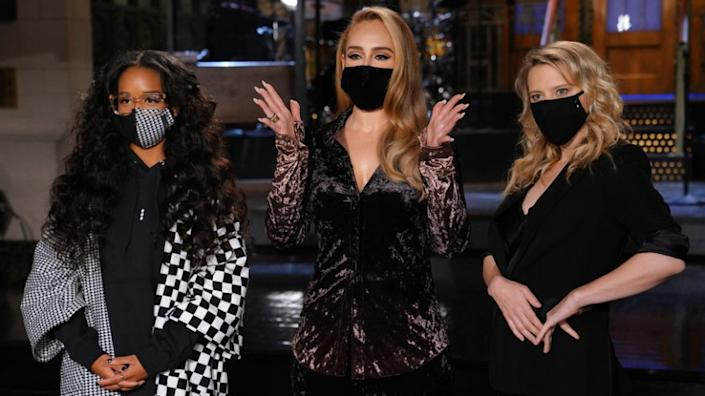 "Saturday Night Live -- NBC TV Series, SATURDAY NIGHT LIVE -- ""Adele"" Episode 1789 -- Pictured: (l-r) Musical guest H.E.R., host Adele, and Kate McKinnon during Promos in Studio 8H on Thursday, October 22, 2020 -- (Photo by: Rosalind O'Connor/NBC) ""Saturday Night Live"" on NBC."