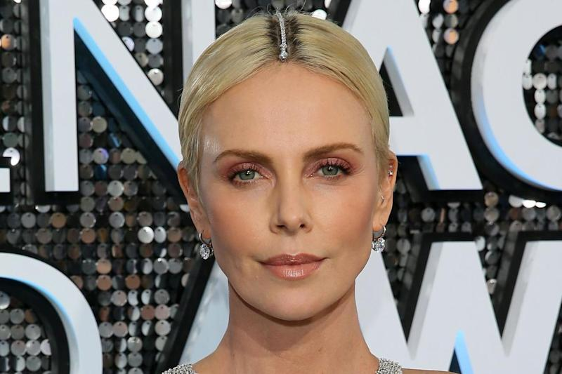 Charlize Theron had the perfect hair accessory: Getty Images