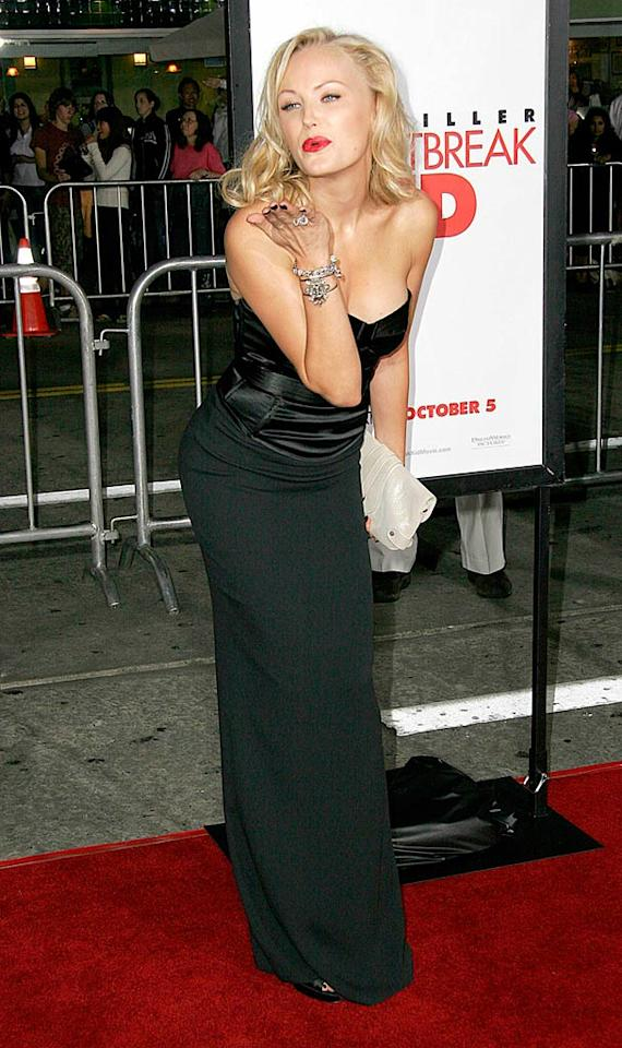 "Malin Akerman sends a smacker to her fans at the premiere of ""The Heartbreak Kid."" T Wise/<a href=""http://www.splashnewsonline.com"" target=""new"">Splash News</a> - September 23, 2007"