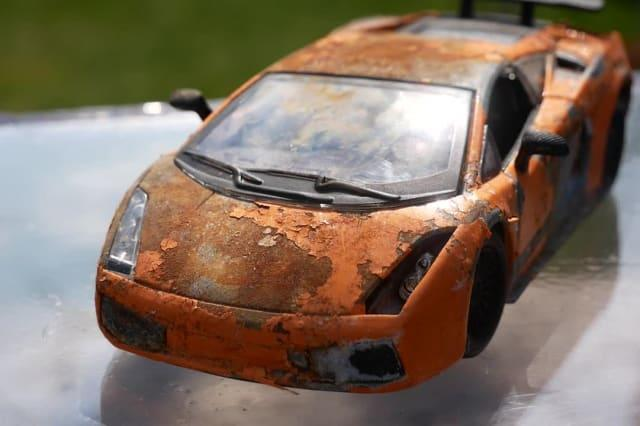 YouTuber satisfyingly restores rusted Lamborghini toy back to former glory