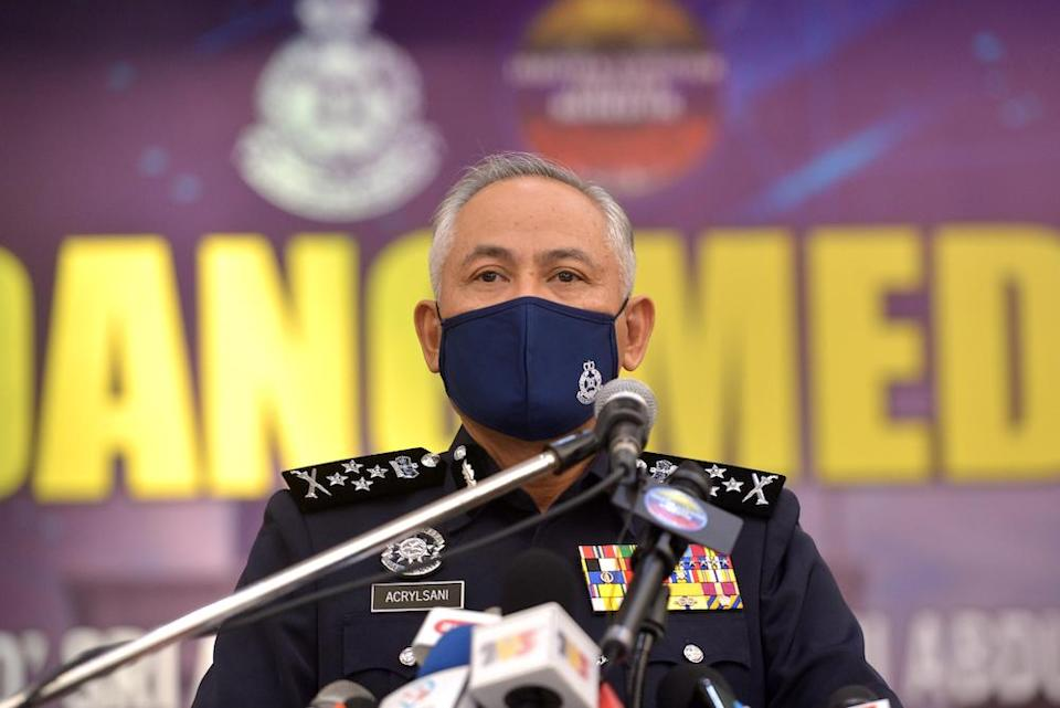Bukit Aman alleged that Malaysiakini and China Press used confusing headlines over Deputy Inspector-General of Police Datuk Seri Acryl Sani Abdullah's remarks about an alleged rape threat a student received from a classmate. — Picture by Miera Zulyana