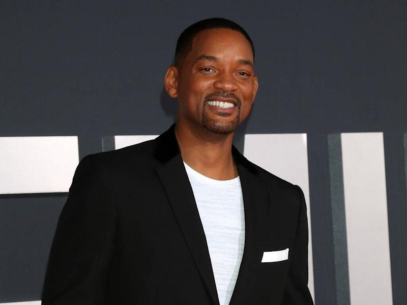 Will Smith 'encounters' rogue turkey during Thanksgiving food run