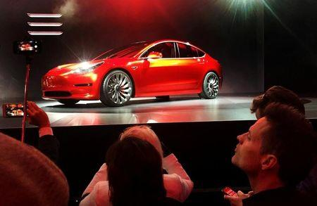 Tesla hits 5,000 Model 3 production target