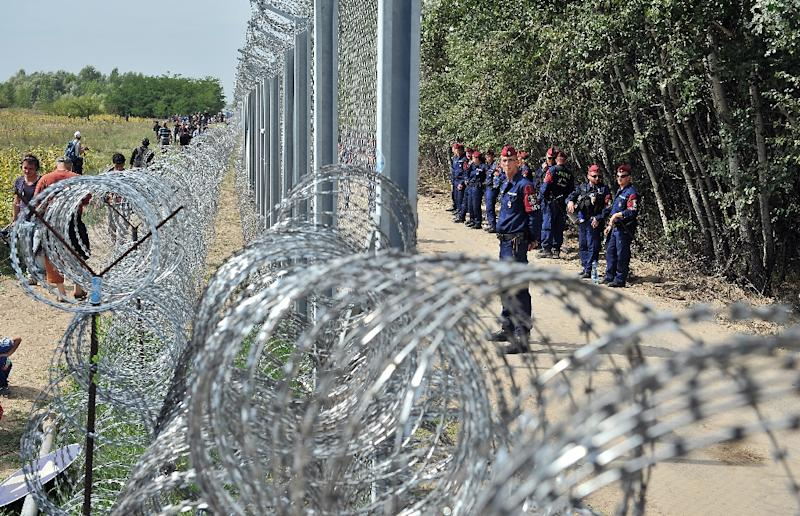 Hungary completes barbed-wire barrier on Croatia border: ministry