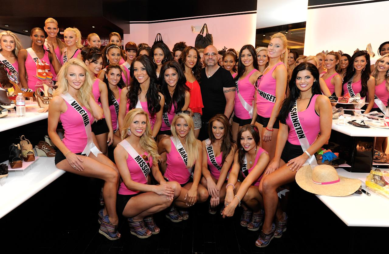 LAS VEGAS, NV - MAY 22:  Actress Dania Ramirez (C) and executive vice president of Chinese Laundry Stewart Goldman appear with the Miss USA 2012 contestents at the Chinese Laundry at the Planet Hollywood Resort & Casino on May 22, 2012 in Las Vegas, Nevada.  (Photo by David Becker/Getty Images For Chinese Laundry)