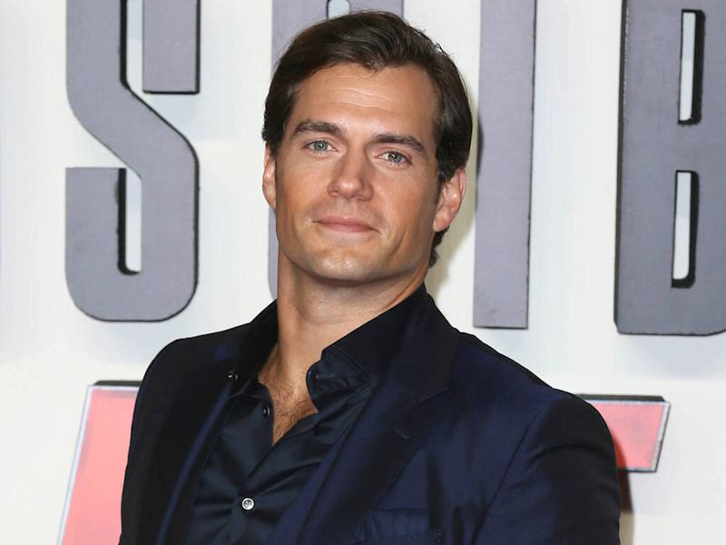 Henry Cavill sends fans wild with computer-building video