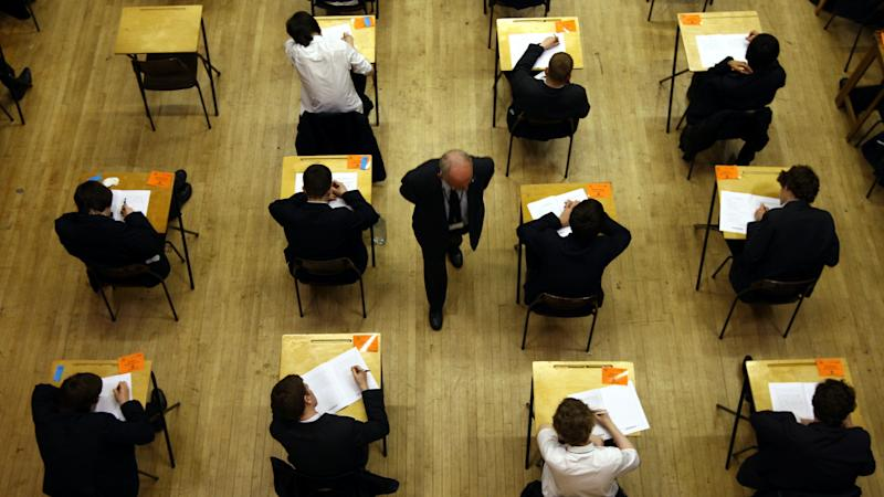 Students taking GCSE and A-level exams 'should be prioritised' for Covid tests