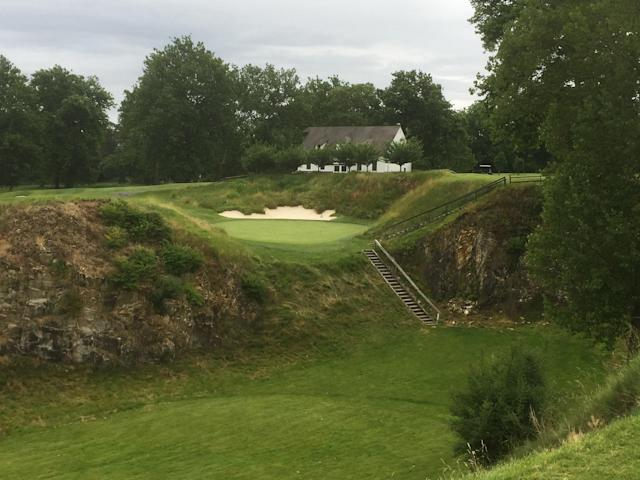 <p>Eighth hole: 117/105/93</p> <p>This is a cool green tucked into an old quarry, with a tee shot playing over a deeper, wider quarry in front. Site of a neat William S. Flynn design outside Philadelphia.</p>