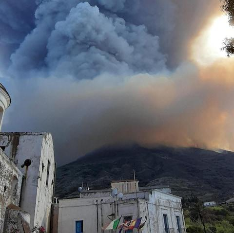 Stromboli begins clean-up after volcano eruption