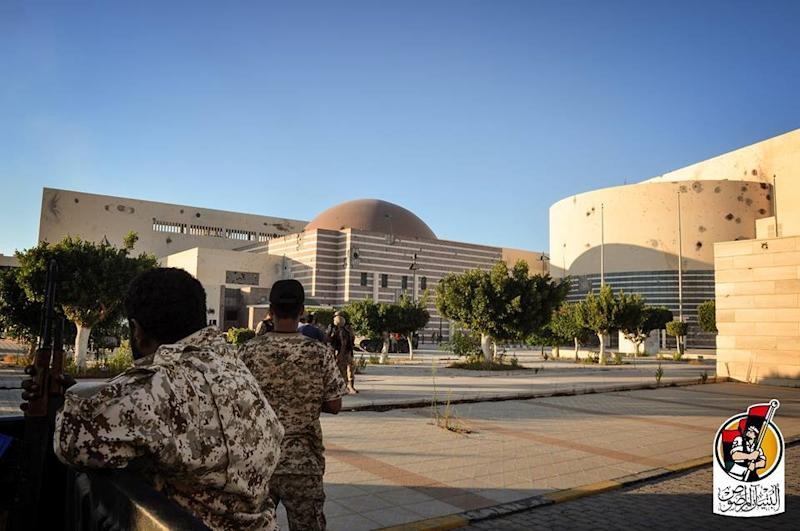 Libya forces de-mine and clear Sirte after liberation from Isis militants