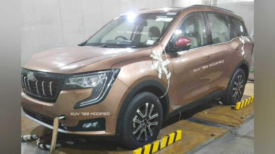 This is the first time the Mahindra XUV700 has been seen completely undisguised. Image: