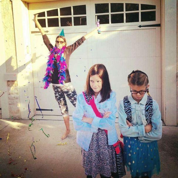PHOTO: Leslie Kemelgor takes hilarious back to school pictures with her kids year after year. (Leslie Kemelgor)