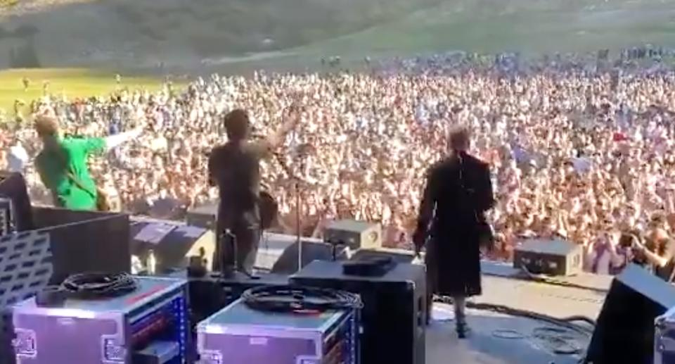 Crowded House live in conert