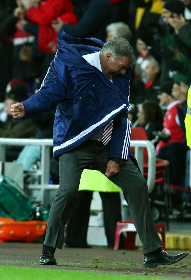 <p>2015: Celebrating victory over Stoke as Sunderland manager </p>