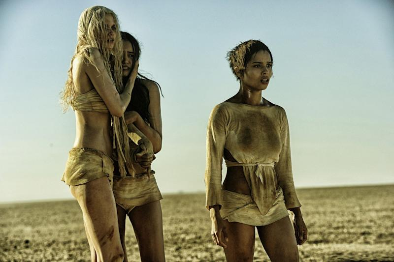 Zoe Kravitz (right) in 'Mad Max: Fury Road' (credit: Warner Bros)