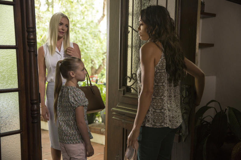 """This image released by Warner Bros. Pictures shows Katherine Heigl, from left, Isabella Kai Rice and Rosario Dawson in a scene from, """"Unforgettable."""" (Karen Ballard/Warner Bros. Pictures via AP)"""