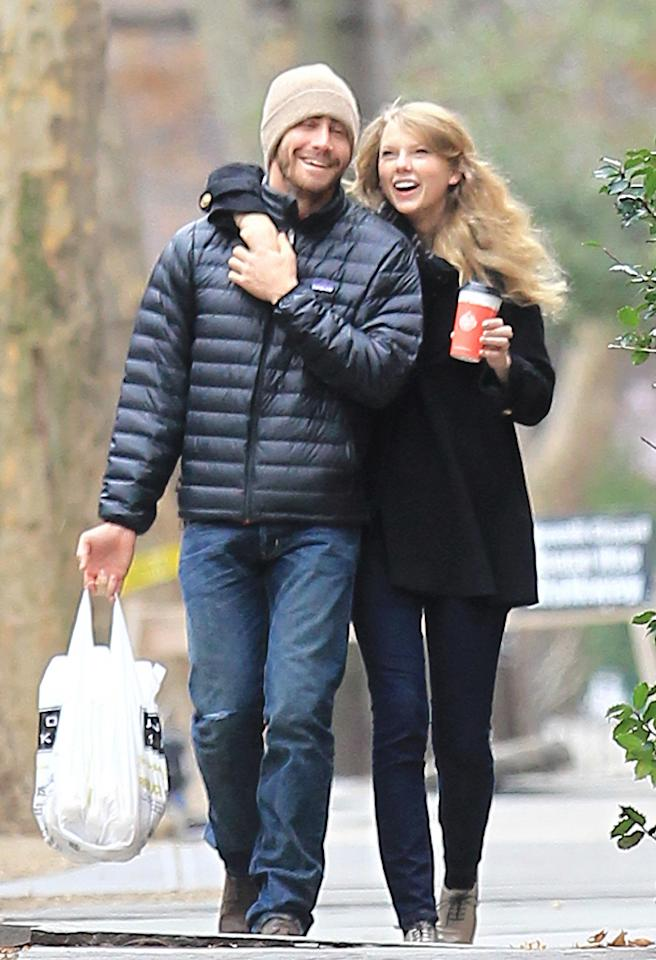 EXCLUSIVE TO INF. PLEASE CALL BEFORE USAGE.November 25, 2010: Taylor Swift and Jake Gyllenhaal take a stroll through Brooklyn, New York on Thanksgiving Day.  Arm in arm, the happy couple get some last-minute groceries at the market before heading back to Jake's sister Maggie Gyllenhaal's (not pictured) Park Slope home.  Credit: Swarbrick/INFphoto.com Ref: infusny-169|sp|EXCLUSIVE TO INF. PLEASE CALL BEFORE USAGE.
