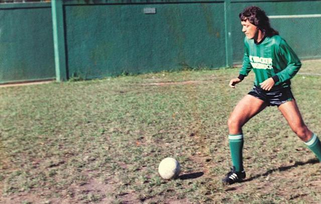 He lived the dream as a globetrotting pro for two decades, yet could barely kick a ball. FFT meets the maverick Brazilian who used every trick going to dupe his clubs coaches, team-mates and fans