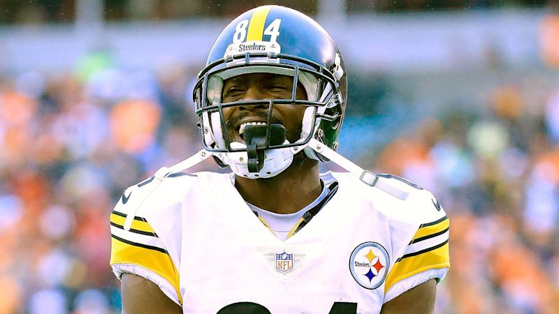54d726c87b2 Antonio Brown modifies jerseys as Steelers seek Cleveland s help