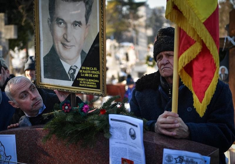 An auction of objects from the household of late Romanian dictator Nicolae Ceausescu comes days after the 100th anniversary of his birth which some Romanians marked by gathering at his tomb (AFP Photo/Daniel MIHAILESCU)
