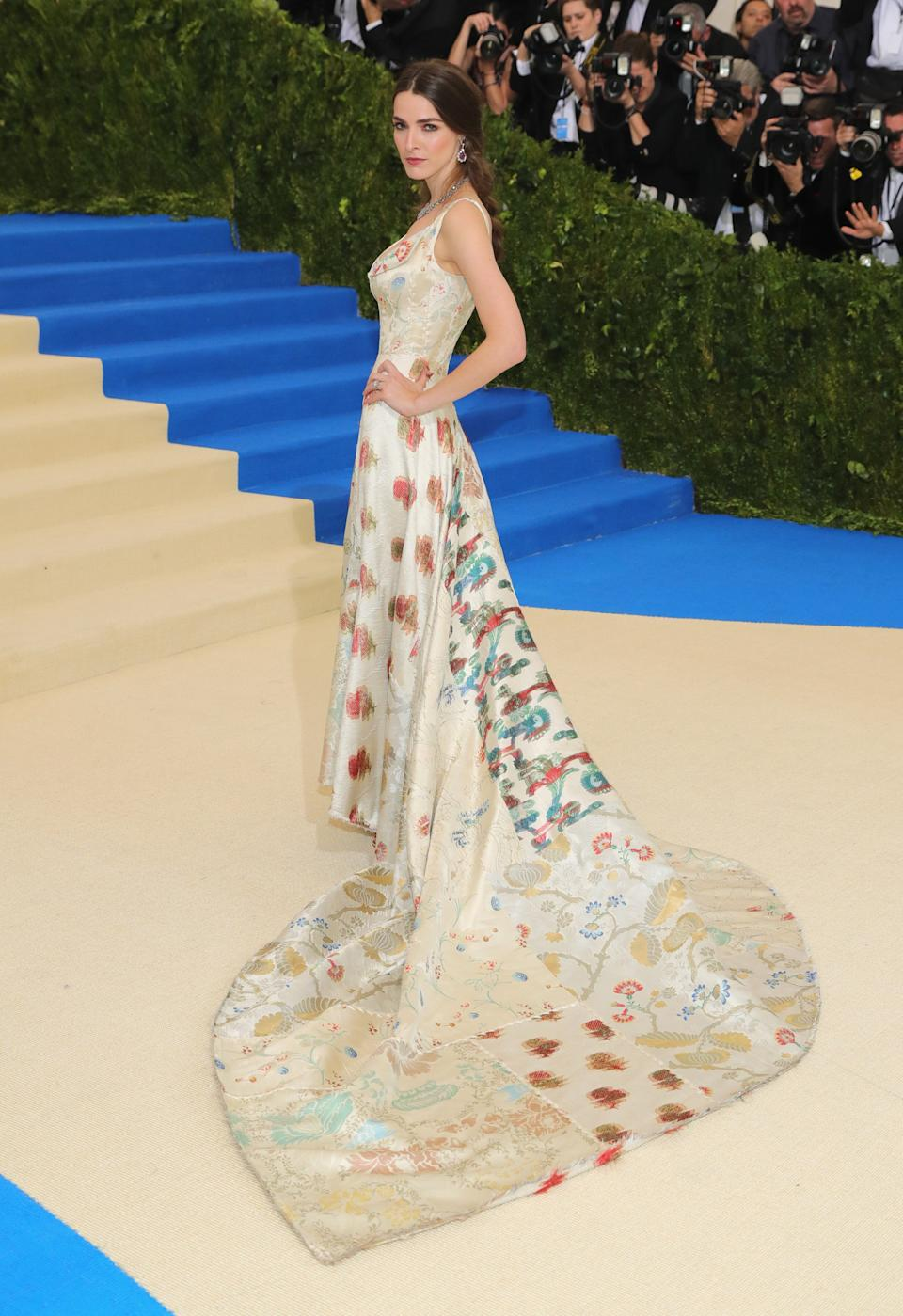 """<h1 class=""""title"""">Bee Shaffer in Alexander McQueen</h1><cite class=""""credit"""">Photo: Getty Images</cite>"""
