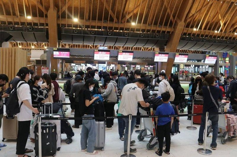 'Business as usual' at Mactan airport amid state of emergency